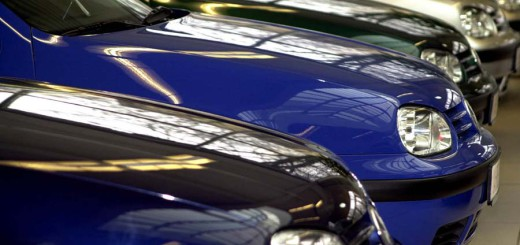 Autos warten auf ihre Käufer Foto: WR