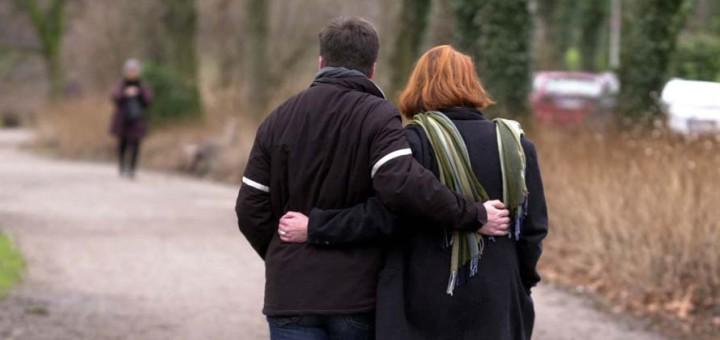 Ein Liebespaar beim Valentins-Spaziergang. Foto: WR