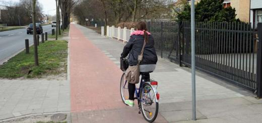Radfahrerin im Bremer Osten Foto: WR