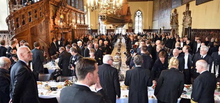 300 Teilnehmer in der Oberen Rathaushalle Fotos: Schlie