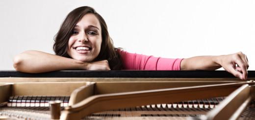 Mit dem Zusammenspiel ihrer Texte, Stimme und ihrem Klavierspiel möchte Anna Piechotta für Überraschungen sorgen.Foto: pv