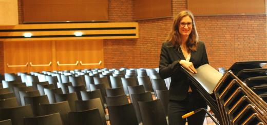 Antje Preuschoff, Leiterin des Bürgerhauses in Vegesack, wirbt um weitere Stuhlpaten.