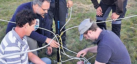 Die Funkamateure aus Delmenhorst basteln an einer neuen Antenne herum.