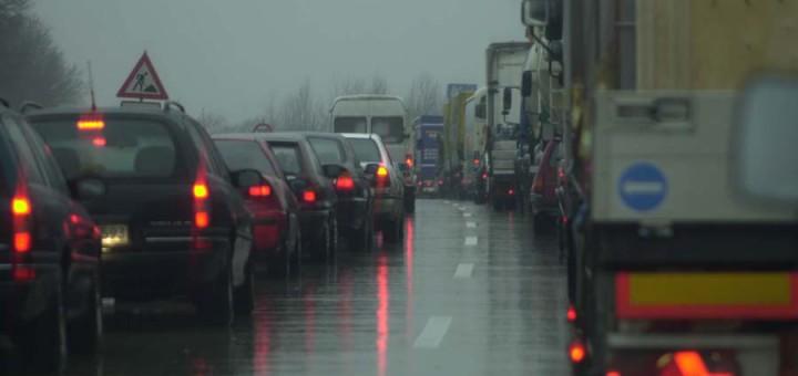 Verkehrsstau auf der Autobahn. Foto: Schlie