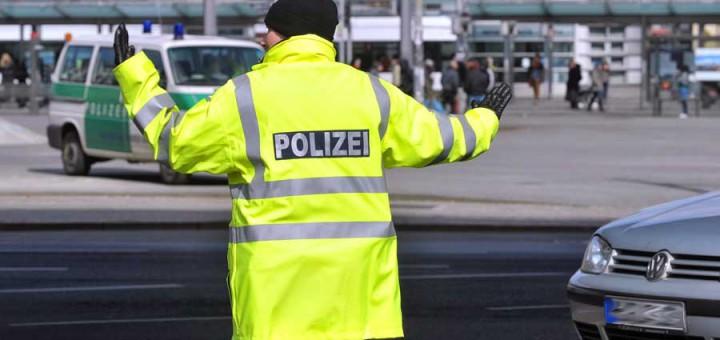 Verkehrspolizist vor Bremer Hauptbahnhof. Foto: WR
