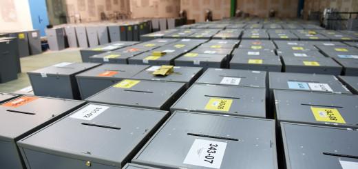 Wahlurnen im Wahlamt in Bremen