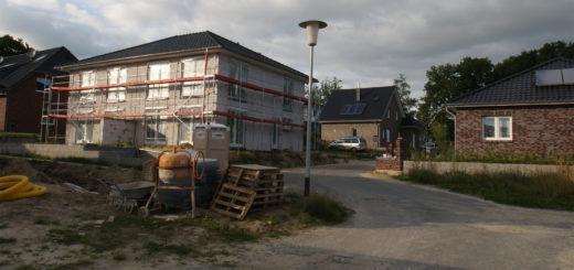 """Wer im """"Speckgürtel"""" Bremens bauen will, muss dafür immer tiefer in die Tasche greifen. Foto: Möller"""
