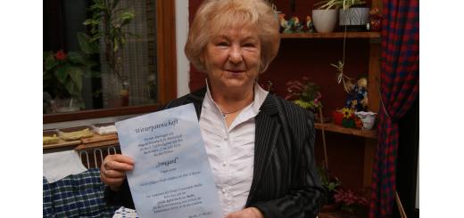So freundlich kann ein Tiefdruckgebiet sein: Irmgard Weverinck übernahm die Wetterpatenschaft fürs Ostertief. Foto: Möller