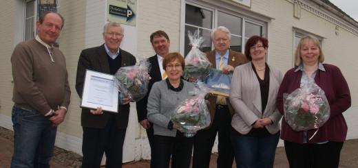 Dehoga-Kreischef Carsten Rohdenburg ehrte Jubilare und langjährige Mitglieder. Foto: Möller
