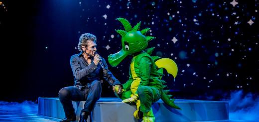Peter Maffay und seine Märchenfigur Tabaluga – am 2. und 3. Dezember kommen die beiden für insgesamt drei Shows nach Bremen. Foto:pv