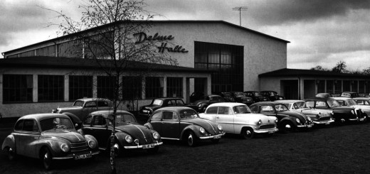Die Viehauktionen in der Delme-Halle zogen wie ein Magnet Besucher aus der ländlichen Umgebung Delmenhorsts an.Foto: Stadtarchiv Delmenhorst