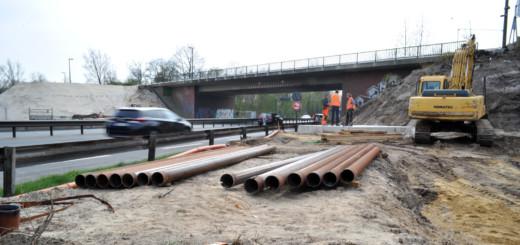 Die B 75 ist am 16. April voll gesperrt, da an der Heinrich-Plett-Allee eine Behelfsbrücke aufgelegt wird. Foto:Konczak