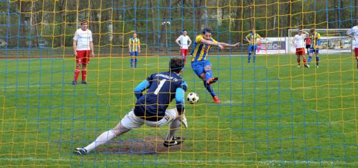 Isailovic traf per Elfmeter nach Vergehen von Siebert an Entelmann zum 1:0 für Atlas. Foto:Konczak