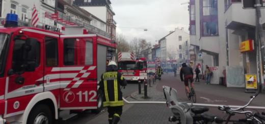 Die Feuerwehr musste zum Brand bei Netto an der Straße Auf den Häfen ausrücken. Foto: Sieler
