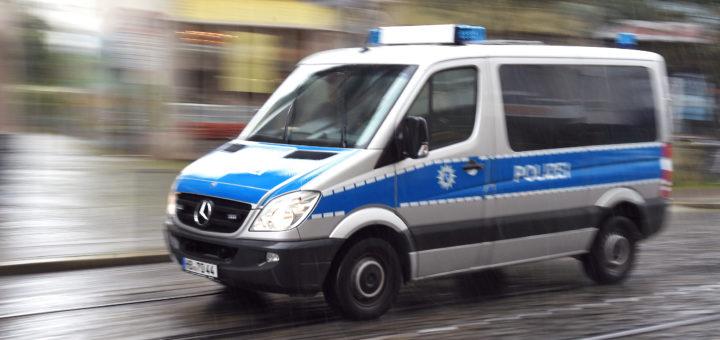 Kriminalbeamte durchsuchten Haus in Hastedt nach einem Internet-Chat. Foto: WR