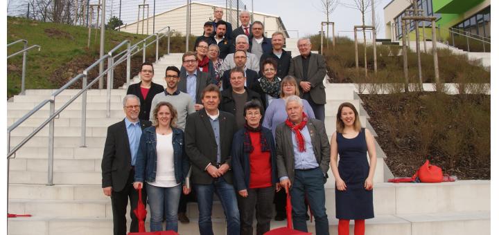 Die Kandidatinnen und Kandidaten der SPD für die Kmmunalwahlen am 11. September kamen gestern beim Lernhaus am Campus zum Fototermin zusammen. Foto: Möller