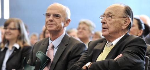 Christian Weber und Hans-Dietrich Genscher bei einem Besuch in Bremen. Foto: WR
