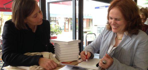 Zu der Buchpräsentation in Bremerhaven mit Nathalie Grenzhaeuser reiste am Sonntag auch Galerieleiterin Dr. Annett Reckert an. Foto: pv