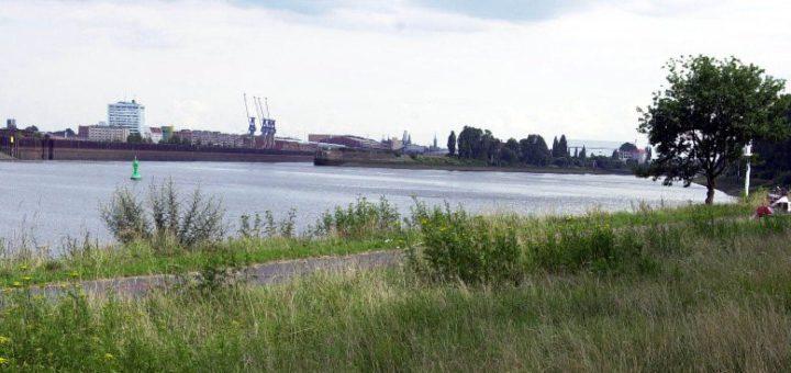 Wo darf in Woltmershausen und insbesondere im Weseruferpark künftig im Rahmen des Freiluftpartygesetzes gefeiert werden? Foto: av