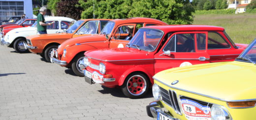 Bei der Oldtimer-Rallye am Sonntag geht es auch um Sehen und Gesehen werden. Foto: Eckert