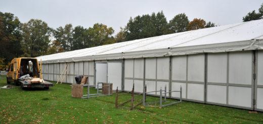 Die Mobilhalle in Bookholzberg soll ab Juni abgebaut werden, die Halle im Stadion in Ganderkesee (Bild) könnte im Sommer folgen. Archivfoto: Konczak