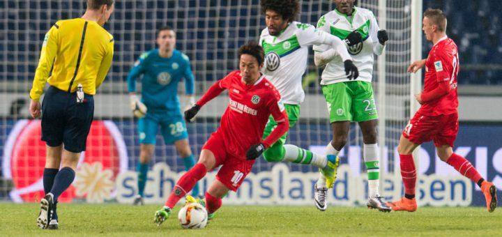 Hiroshi Kiyotake (M.) wechselte 2014 vom 1. FC Nürnberg zu Hannover 96. Foto: Nordphoto