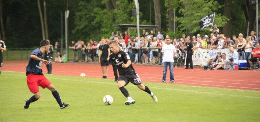 Szenenbild Delmenhorster Stadtauswahl gegen FC St. Pauli. Foto: Eckert