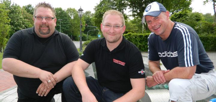 Die Organisatoren Tim Schwarzrock, Sebastian Dippe und Frank Wätjen (v.l.) freuen sich auf das 25. Stadtfest. Foto: Bosse