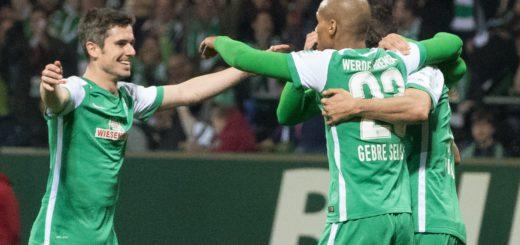 Die Werder-Profis bejubeln einen der sechs Treffer gegen den VfB Stuttgart. Foto: Nordphoto