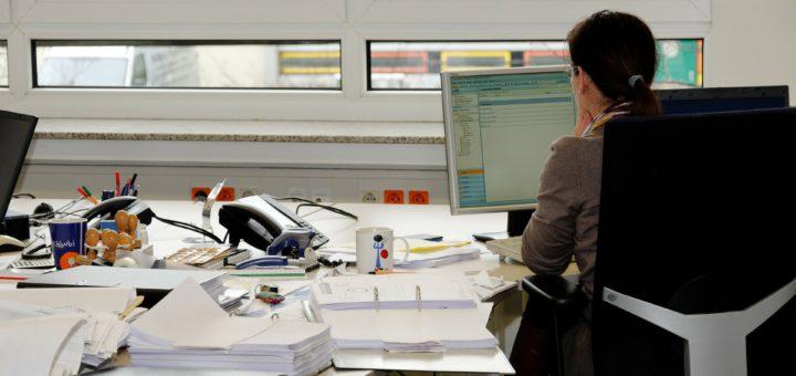 Bürokauffrau, Foto: Joergelmann/pixabay