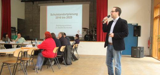 Daniel de Olano von der Bremer Bildungsbehörde stellte die Schulstandortplanung für Blumenthal vor.