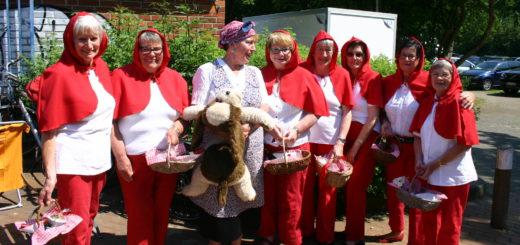 Haben das Bürgerbrunch-Motto umgesetzt: Mitglieder des TV Arbergen als Rotkäppchen-Figuren verkleidet. Foto: Neloska
