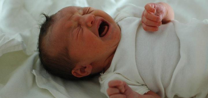 Baby Kaiserschnitt, Elterngeld, Familie Foto: Wikipedia