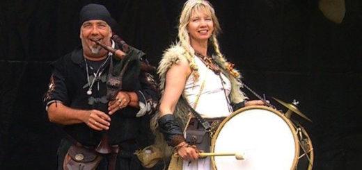 """Das Duo Hyttis ist bereits seit vielen Jahren fester Bestandteil bei """"Graf Gerds Stadtgetümmel"""". Auch beim mittelalterlichen Wochenmarkt haben sie bereits musiziert. Foto: pv"""