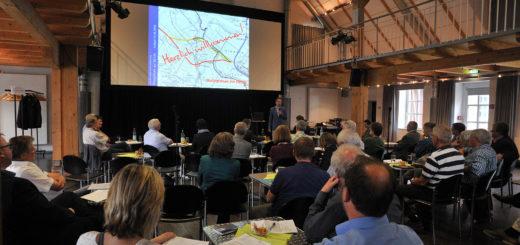 Rund 45 Personen haben sich am ersten Dialogforum zur B212neu beteiligt. Foto: kh