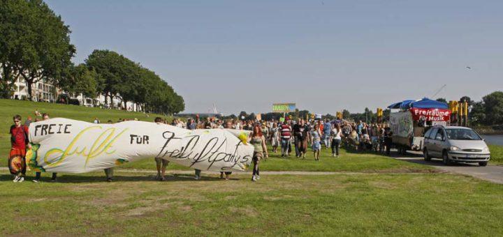 Sie wollen feiern: Demo für Freiluftpartys in Bremen. Foto: SN
