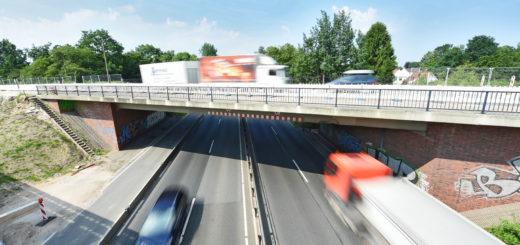 Noch fährt der Verkehr über die Brücke an der Heinrich-Plett-Allee. Doch bald wird die Überführung über die B 75 abgerissen - die Sperrung beginnt bereits am Donnerstag, lange vor dem Brückenabriss.
