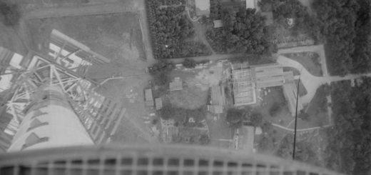 Schwindelerregender Blick vom Turm hinab in die Tiefe. Foto: Stadtarchiv Delmenhorst