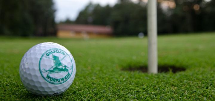 Auf seiner naturnahen Anlage in Giehlermühlen bietet der Golfclub Worpswede ein idyllisches Umfeld, um Sport zu treiben. Foto: red