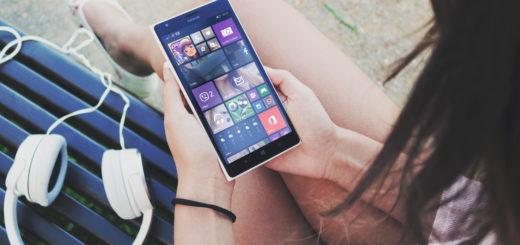 Eltern wissen nicht immer, was Kinder mit ihrem Smartphone eigentlich machen. Manchmal kann das teuer werden. Foto: www.pexels.com