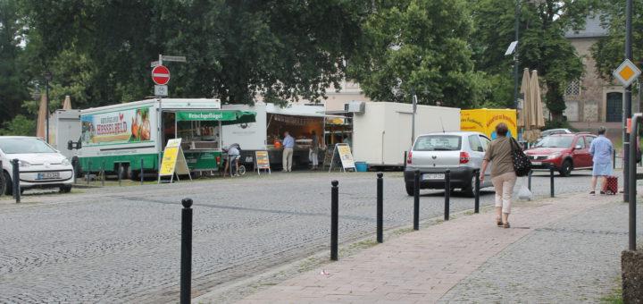 An Markttagen ist der Marktplatz am Fuße St. Martinis noch belebter.Foto: Füller