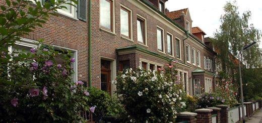 Viele wollen auch in eine schönere Wohnung - wie hier eine Zeile mit Altbremer Häusern. Foto: WR