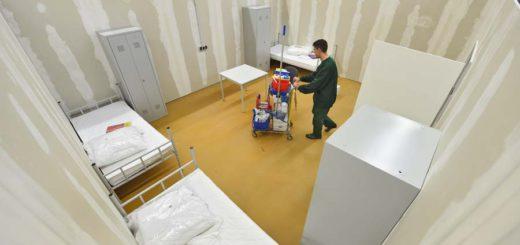 Blick in ein Zimmer der Unterkunft in der Tucholskystraße. Foto: Schlie