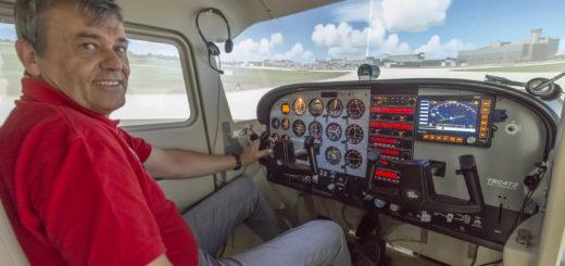 Täuschend echt: Der Flughafen Bremen, den Wolfgang Schütte (Geschäftsführer Fly-4D) mit dem Flugsimulator angesteuert hat. Foto:Meyer