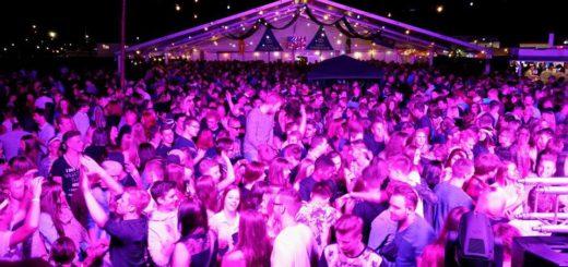 Die Freiluftparty der Landjugend Heiligenrode auf dem Festplatz Bürstel wächst immer weiter. 2015 waren 2.300 Feierwütige dabei.