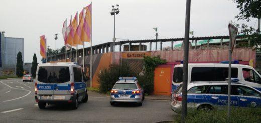 Die Polizei durchsucht den Weserpark mit Spezialeinsatzkräften. Foto: Niemann