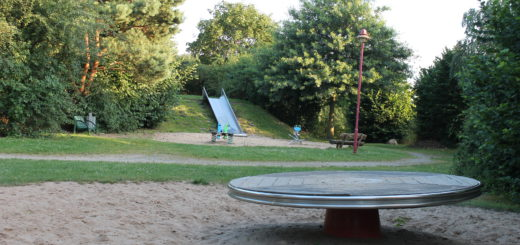 Den Spielplatz in der Jupiterstraße in Brinkum ist beliebt. Einige wünschen sich allerdings mehr Verstecke und Höhlen. n der Sitzung des Ausschusses für Gemeindeentwicklung und Umwelt der Gemeinde Stuhr wird beraten, ob dieser Vorschlag in die Spielleitplanung aufgenommen werden kann. Seckenhausen Bürgerbeteiligung Spielplätze Spielfläche Grünfläche