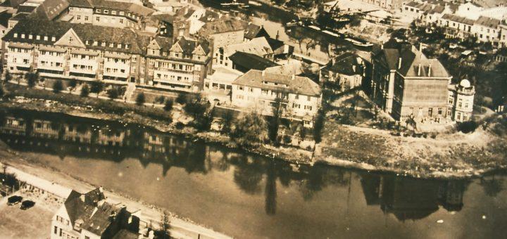 Links im Bild von 1930 ist das Krankenhaus zu sehen. Foto: Estel