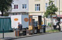 Mit dem Bücherschrank können Neustädter kostenlos Bücher tauschen.