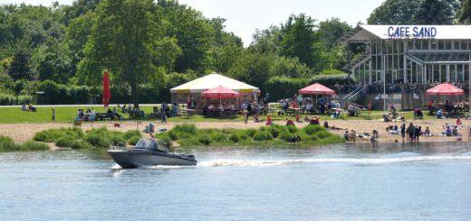 Cafe Sand Osterdeich im Sommer, Foto: WR